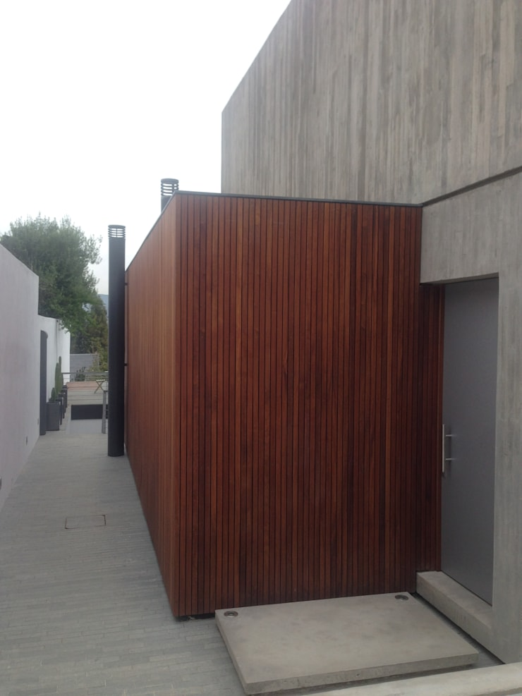 CASA CLAVEL: Casas de estilo  por surarquitectura