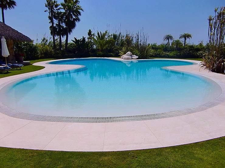 Proyecto hydrazzo marbella de piscinas godo homify for Cuanto cuesta hacer una piscina en mexico
