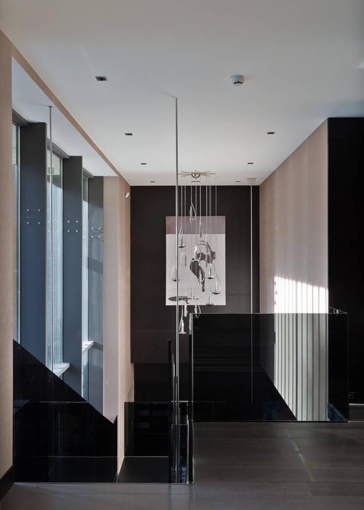 Corridor & hallway by Olga Stupenko Design