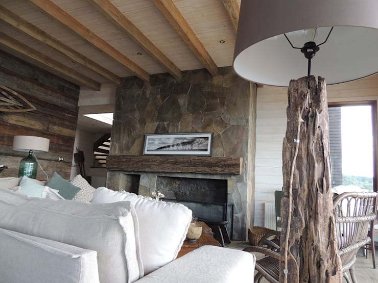 casa Bambach - Vial: Livings de estilo  por David y Letelier Estudio de Arquitectura Ltda.