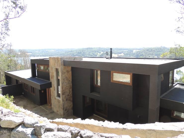casa Balmaceda – Fontaine: Casas de estilo  por David y Letelier Estudio de Arquitectura Ltda.