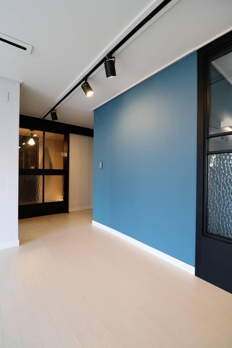 해운대구 좌동 효성코오롱아파트: 예가컴퍼니의  거실