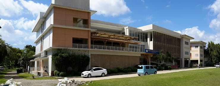 Three Storey School Building with Dormitory:  Schools by Archcentric Design & Development