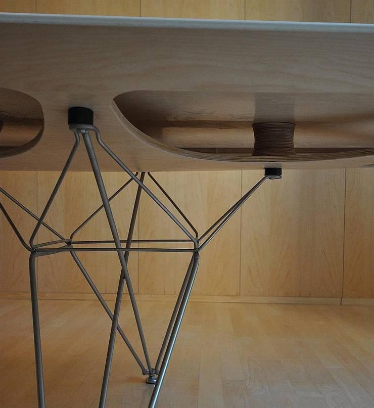 Tafel : modern  door Hugo Caron Architecten bna, Modern