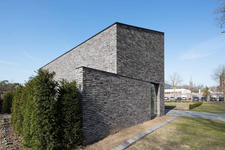 Bedroom by Joris Verhoeven Architectuur, Minimalist