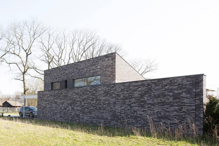 Passive house by Joris Verhoeven Architectuur, Minimalist