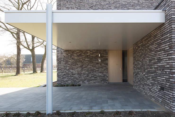 Garage/shed by Joris Verhoeven Architectuur, Minimalist