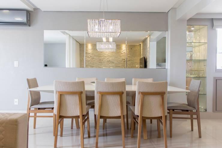 Apartamento Dois: Salas de jantar modernas por Bino Arquitetura