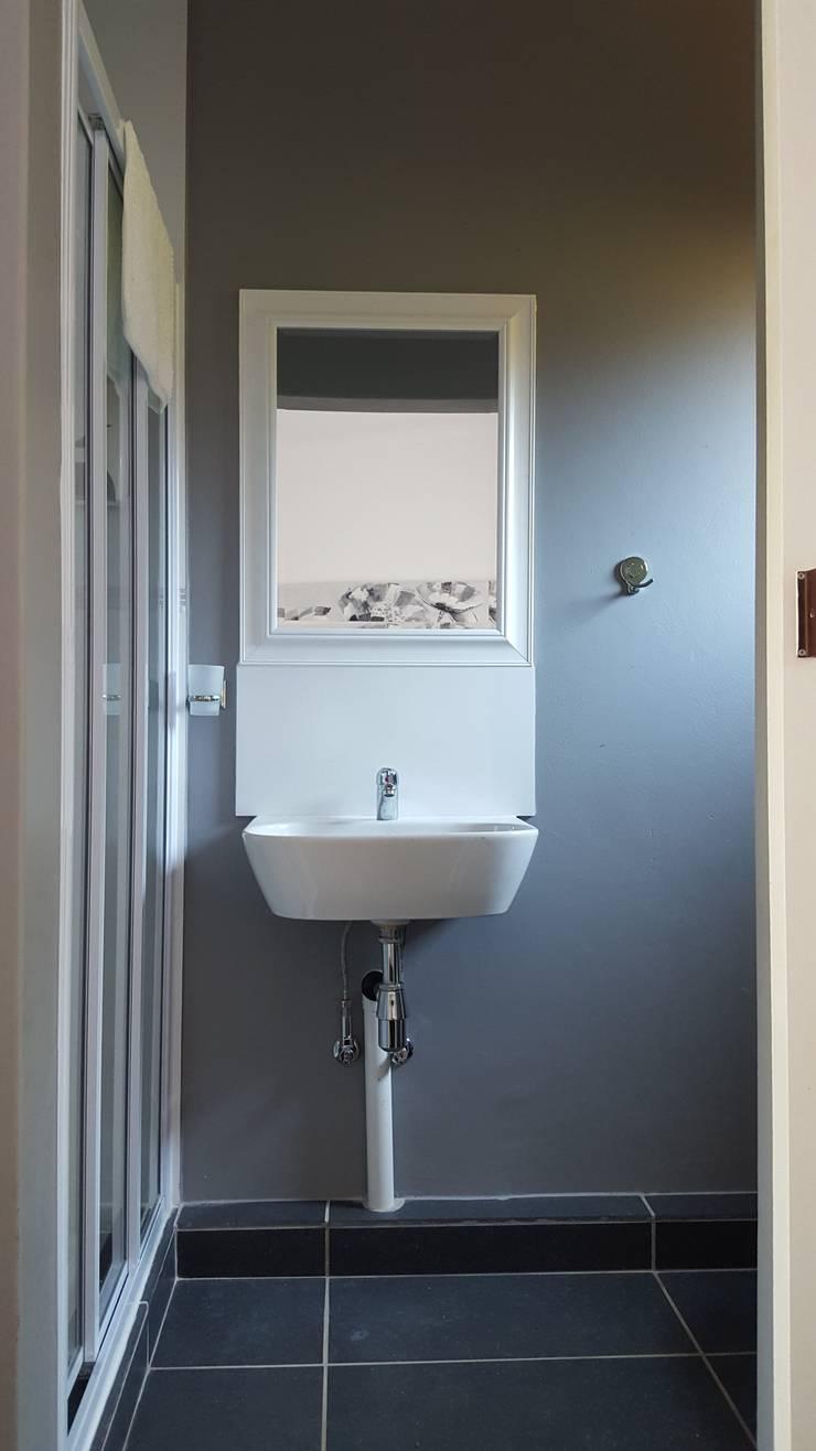 En-suite:  Bathroom by Mason West building