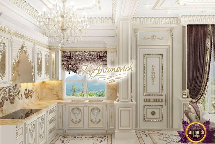   Luxurious kitchen design from Katrina Antonovich:  Kitchen by Luxury Antonovich Design