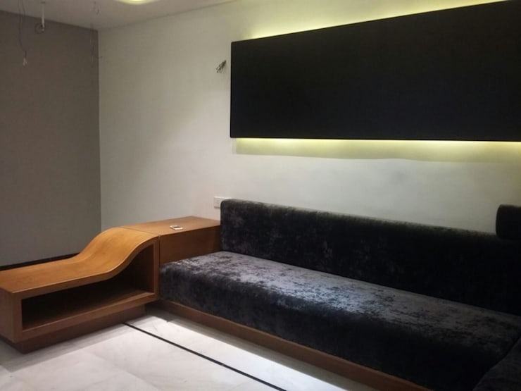 MR. HARSHIT HOUSE: modern Media room by IDcreators Interior Designers