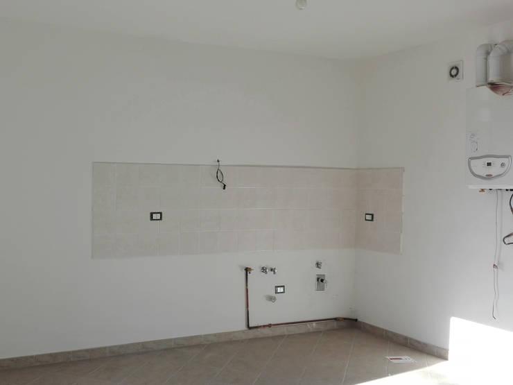 PRIMA: Soggiorno in stile  di Sonia Santirocco architetto e home stager