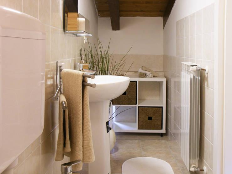 DOPO: Bagno in stile  di Sonia Santirocco architetto e home stager