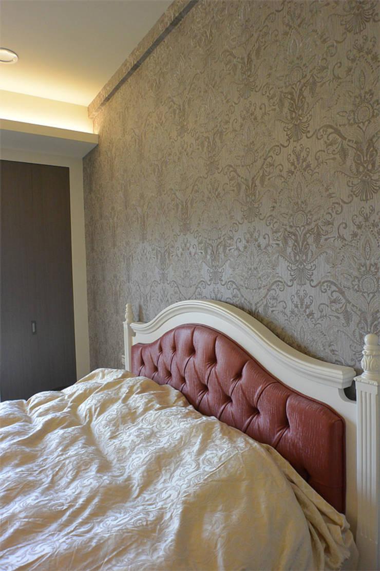 Dormitorios de estilo  de 萩野空間設計, Rural