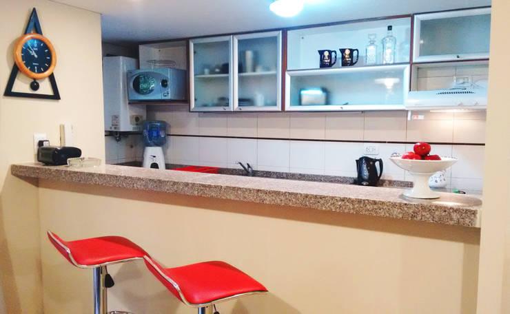 Decoración Interiores: Cocinas de estilo  por LOSADA ARQUITECTURA,