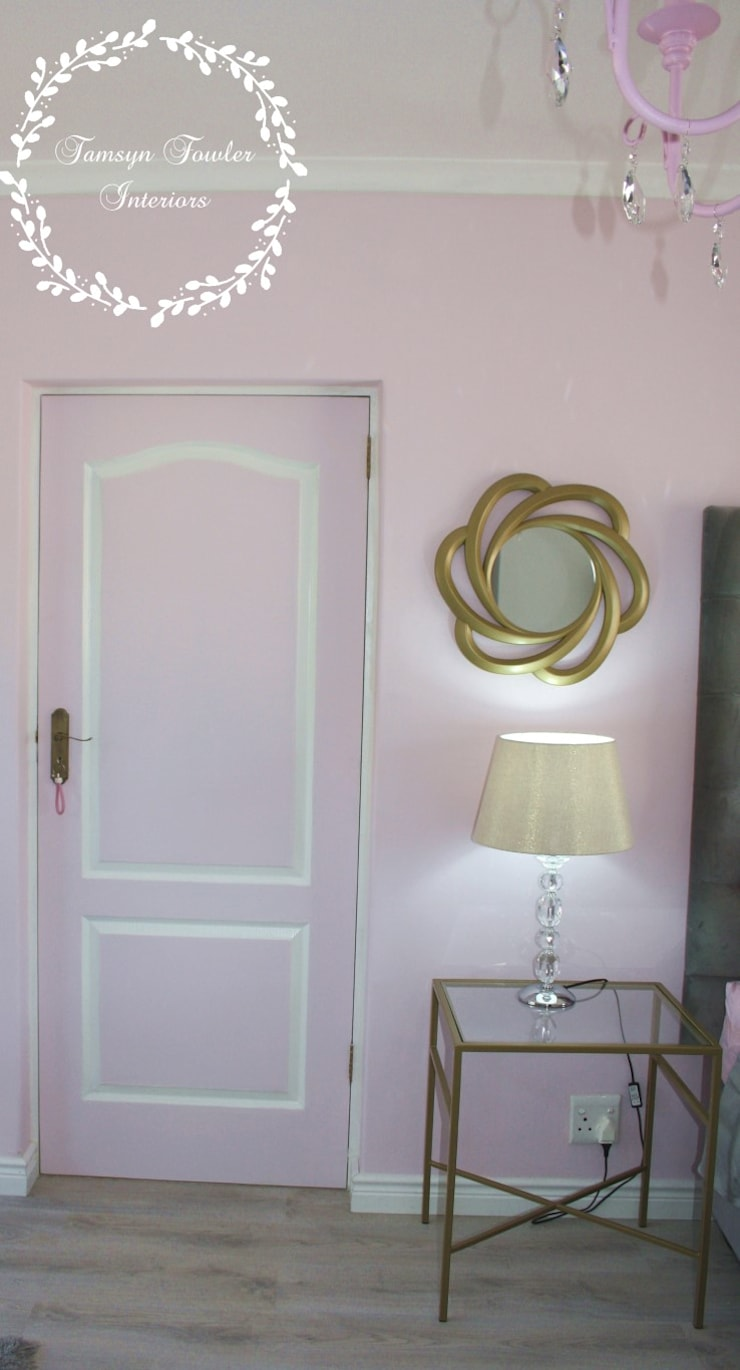 Fit for a Queen: Pink, Grey & Gold Bedroom:  Bedroom by Tamsyn Fowler Interiors