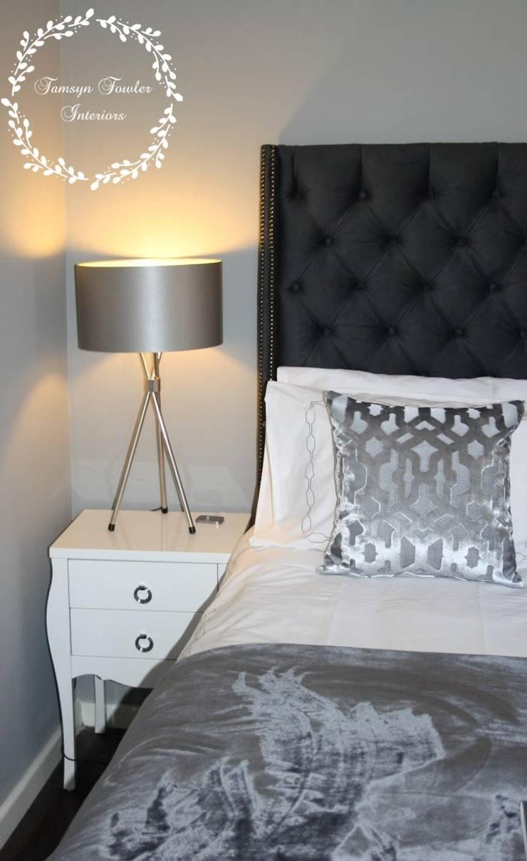 Camera da letto in stile  di Tamsyn Fowler Interiors