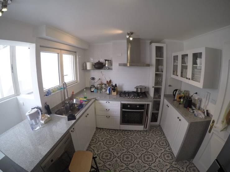 Remodelación Departamento vivienda: Cocinas de estilo ecléctico por Construcción y Arquitectura Sustentable Spa.