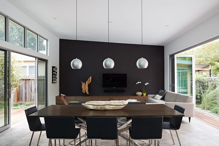 San Carlos Midcentury Modern Remodel: modern Dining room by Klopf Architecture