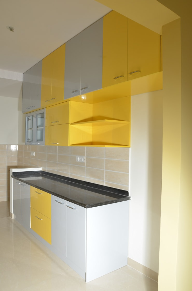 Indian Parallel Kitchen Interior Design:  Kitchen by Scale Inch Pvt. Ltd.