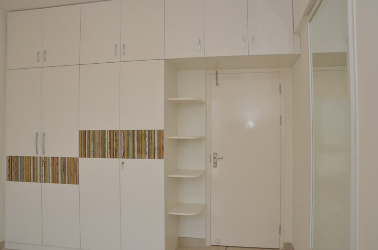 Wardrobe With Dresser Online In Bangalore:  Bedroom by Scale Inch Pvt. Ltd.
