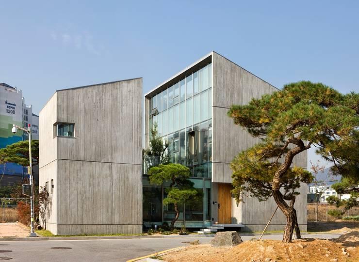 modern Houses by 수목피엠