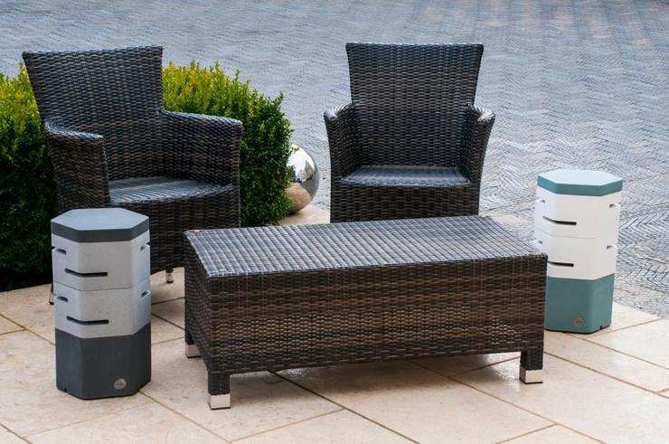Holix II in Charcoal Lustre, Grey Mist, Serene Blue Dark and Vanilla Ice:  Balconies, verandas & terraces  by Jalu Ltd