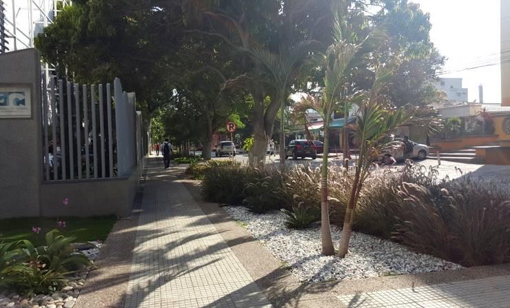 Fotos Varias de jardines – Barranquilla: Jardines de estilo  por ecoexteriores