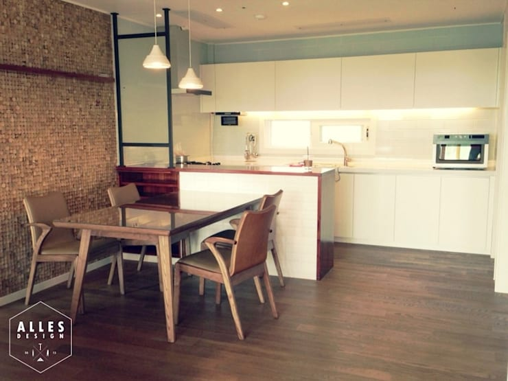 호반베르디움 아파트 인테리어: 디자인알레스의  주방,