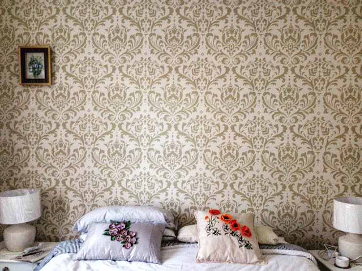Damask Stencil in Beige (Venus) :  Bedroom by Beautiful Changes