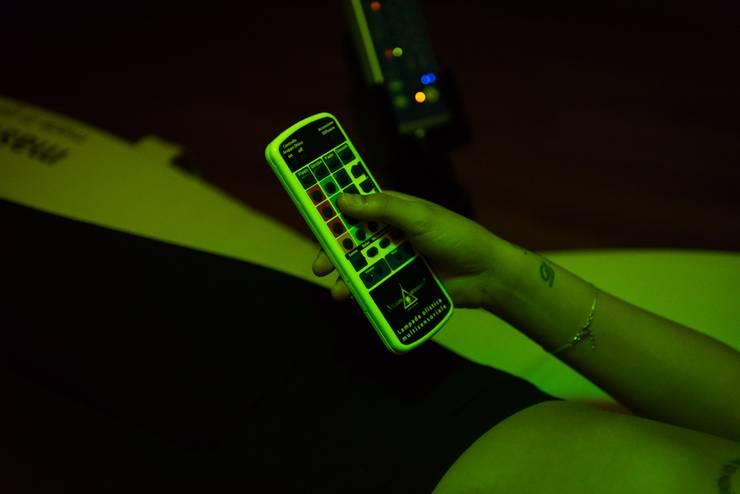 Telecomando per controllo funzioni: Spa in stile in stile Moderno di nps srl