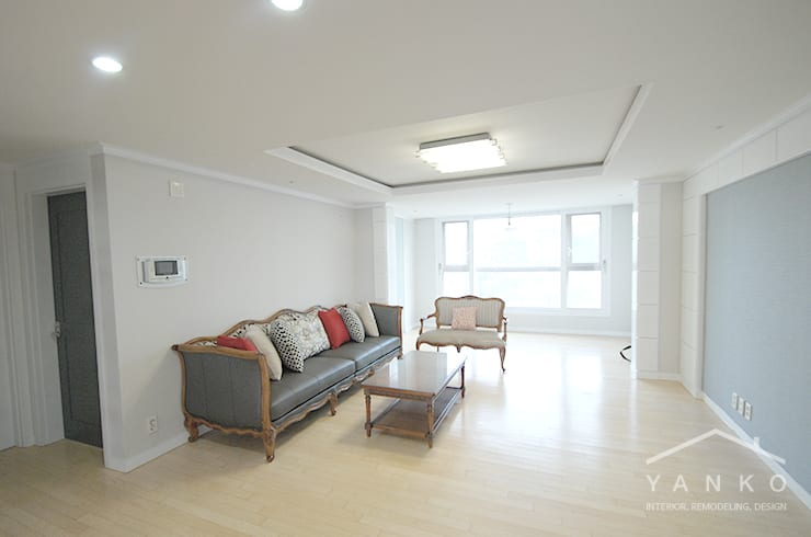 용인 보정동 죽전자이2차 아파트 32평: 얀코인테리어의  거실,모던