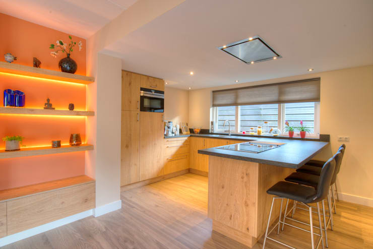 Cocinas de estilo  de Anne-Carien Interieurarchitect, Moderno