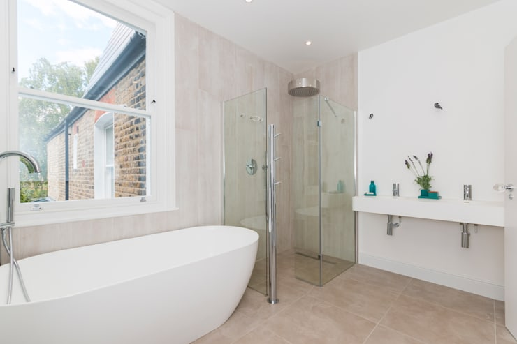 House Renovation Lysia Street, Fulham SW6:  Bathroom by APT Renovation Ltd