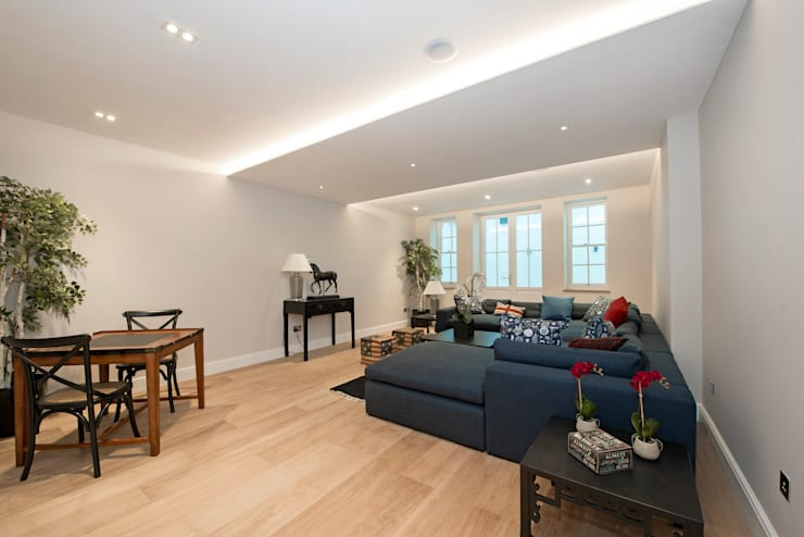 House Renovation Lysia Street, Fulham SW6:  Living room by APT Renovation Ltd