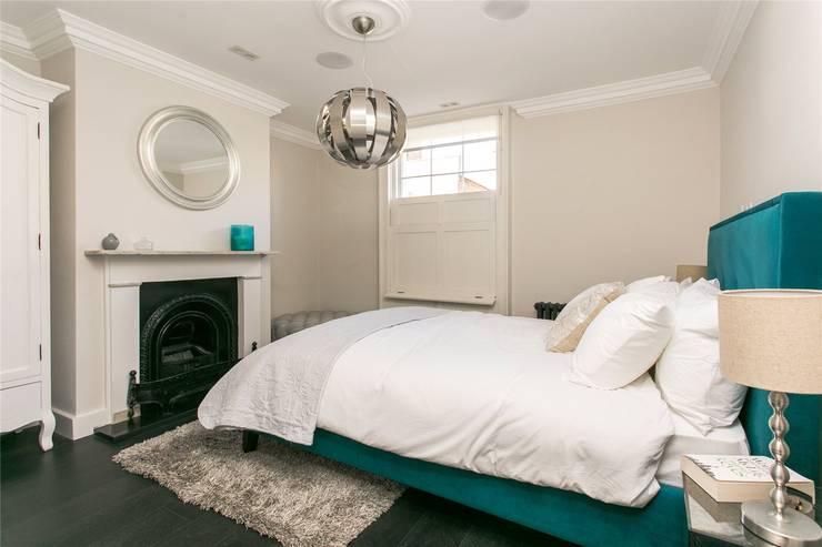 Lillieshall Road, London, SW4:  Bedroom by APT Renovation Ltd