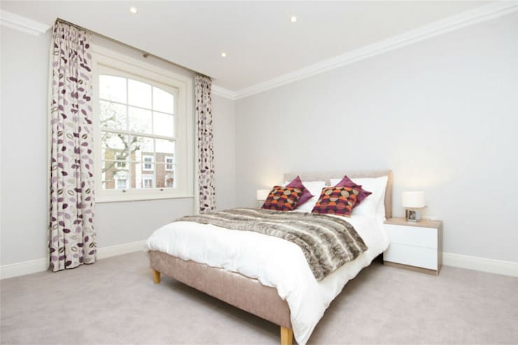 Hammersmith Grove, London, W6:  Bedroom by APT Renovation Ltd