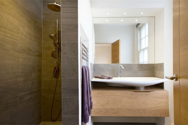 Hammersmith Grove, London, W6:  Bathroom by APT Renovation Ltd