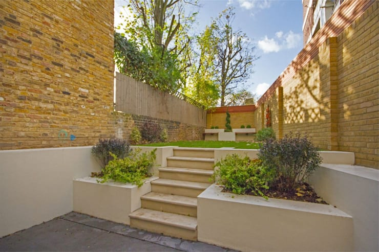 Hammersmith Grove, London, W6:  Corridor & hallway by APT Renovation Ltd