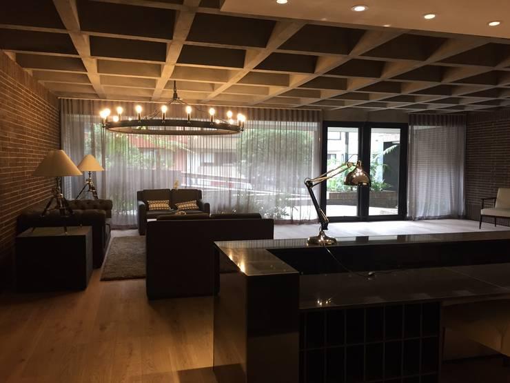 lobby: Pasillos y vestíbulos de estilo  por Ecologik