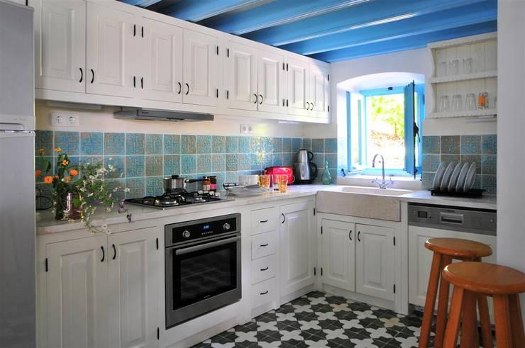 مطبخ تنفيذ Ebru Erol Mimarlık Atölyesi