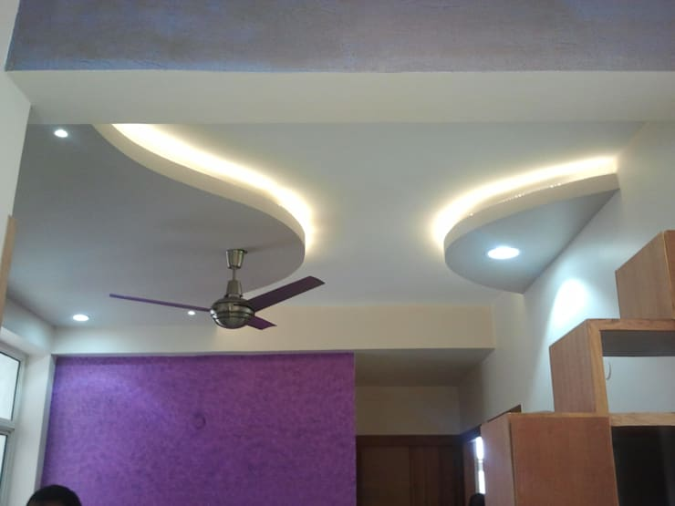 Residence interior, Kundli, Haryana:  Dining room by The plan design and construction