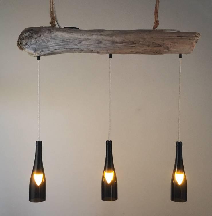 Hängelampe aus Treibholz:  Wohnzimmer von Meister Lampe