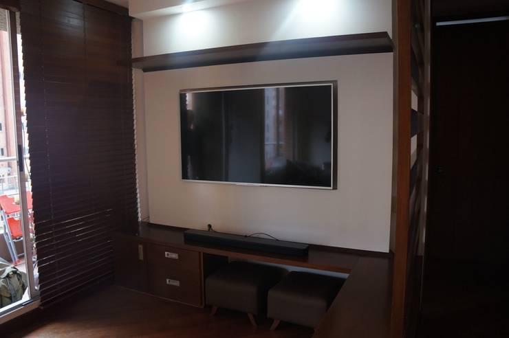 PROCESO REMODELACIÓN ESTAR TV: Sala multimedia de estilo  por TRASCENDENCIA