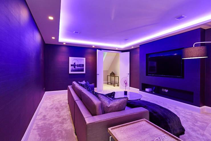 Wolverton Gardens, W6:  Living room by APT Renovation Ltd