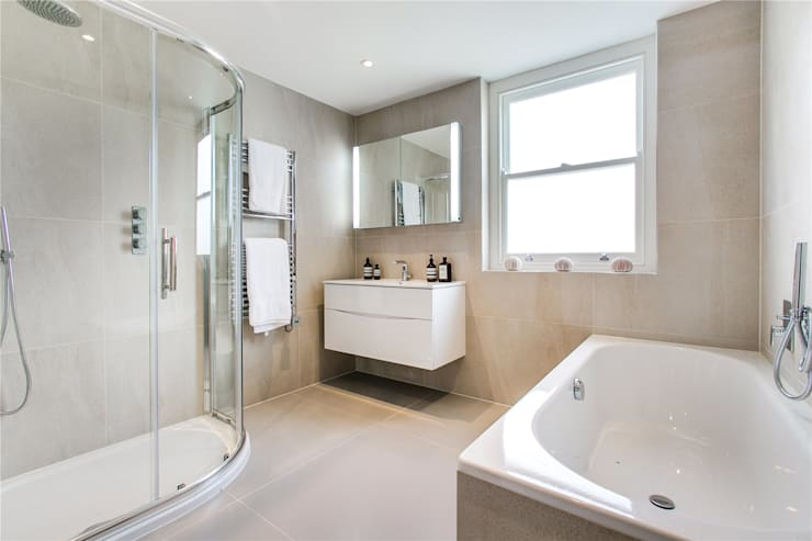 Perrymead Street, SW6:  Bathroom by APT Renovation Ltd