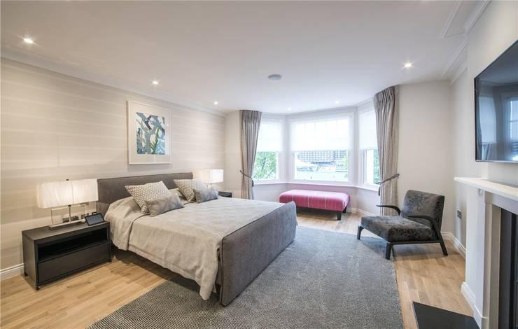Wellington St Johns Wood NW1: modern Bedroom by APT Renovation Ltd