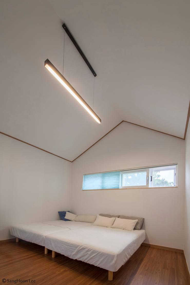 문봉동 세마당집(호호당): 디자인 인사이트 (DESIGN INSITE)의  방