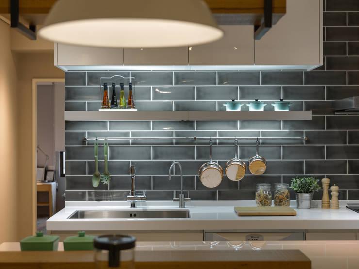 廚房:  廚房 by 存果空間設計有限公司