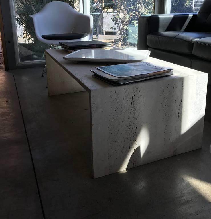 Mesa de Centro.: Livings de estilo  por Muebles Menard
